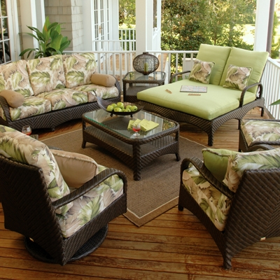 Outdoor Patio Wicker Furniture Enhances Your Outdoor Living Areas - Today´s Patio