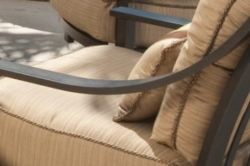 Choosing Outdoor Furniture - The Right Seating Material