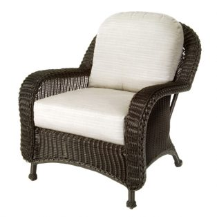 Classic Wicker patio lounge chair