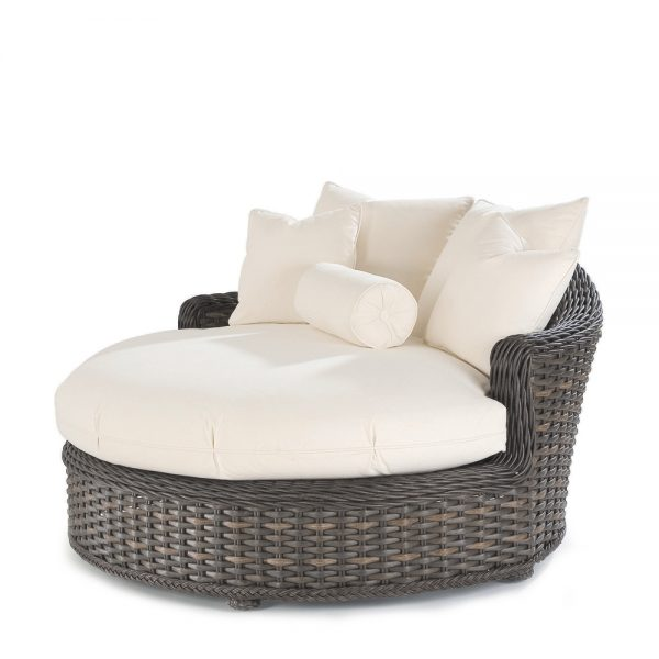 South Hampton circular chaise