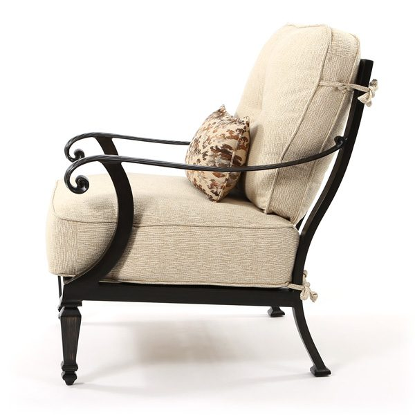 Castelle Bellagio patio lounge chair side view