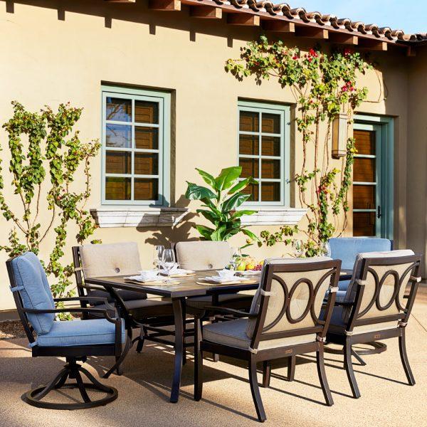 Sunbrella Bellevue dining furniture