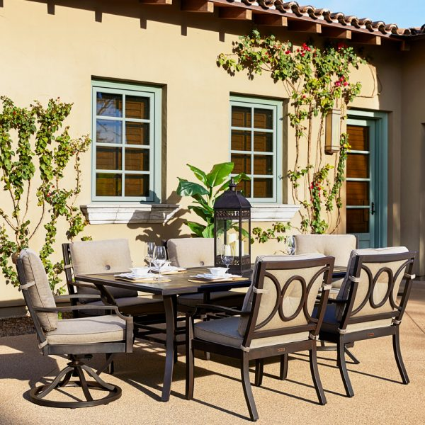 Sunvilla Bellevue 7 piece dining group with Sailcloth Shadow cushions