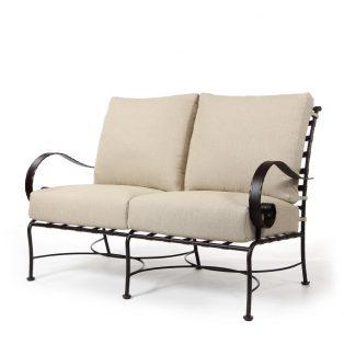 Classico love seat