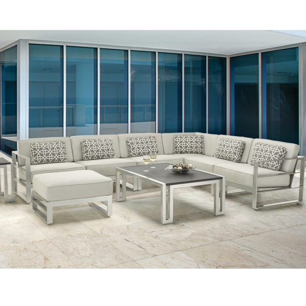 Castelle Horizons furniture with Icon tables
