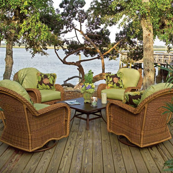 Classic Wicker swivel glider lounge chair patio set