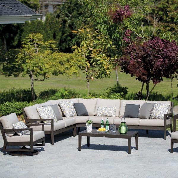 Ratana Lucia outdoor sectional set