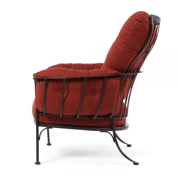 Monterra outdoor lounge chair side view