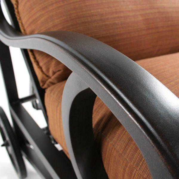 Mallin Volare chaise lounge Autumn Rust frame detail
