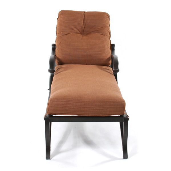 Mallin Volare outdoor chaise lounge front view