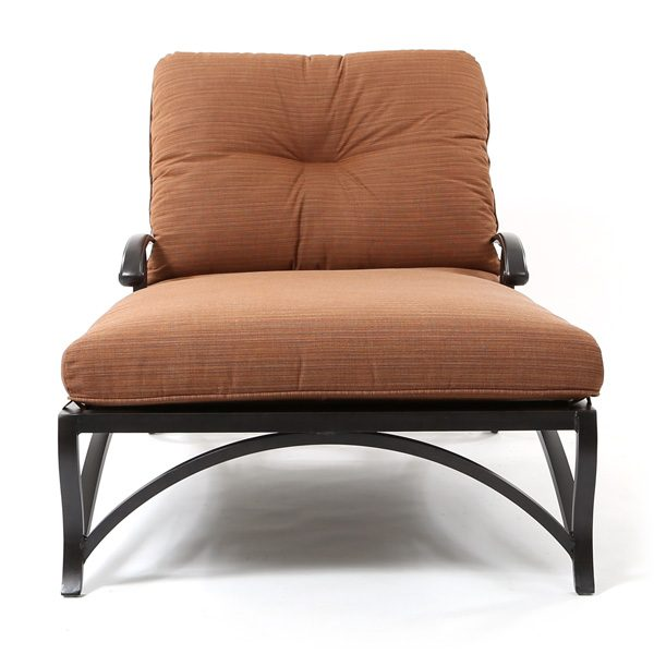 Mallin Volare oversized aluminum chaise lounge front view