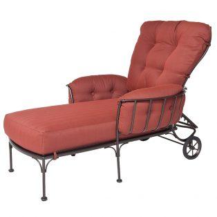 Monterra chaise lounge