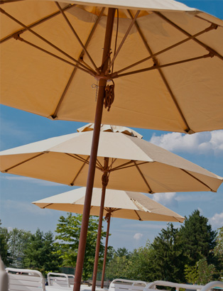 7.5' Octagon Commercial Umbrellas
